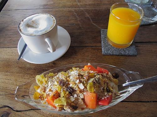 kafe-breakfast.