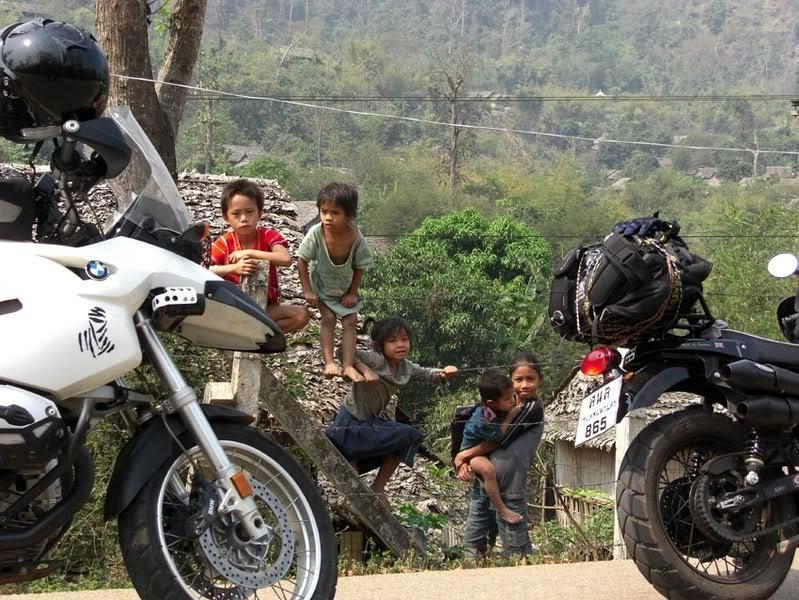 KarenKids4LR.jpg /Mae Sot Loop  on to Umphang/Touring Northern Thailand - Trip Reports Forum/  - Image by: