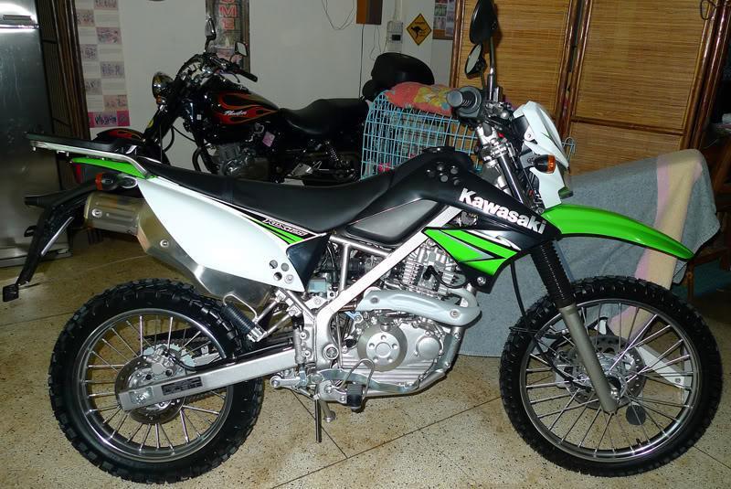 KawaKLX125x01g.