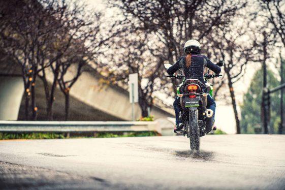 kawasaki-versys-x-300-new-riders-561x374.