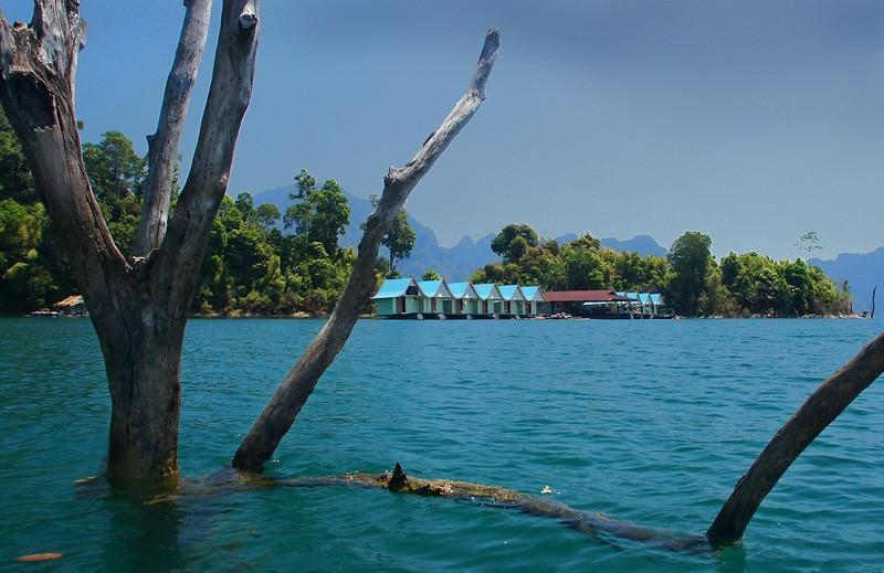 khao-sok-smiley-lake-house-thumb.
