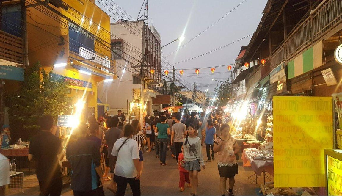 lampang-weekend-market-1.