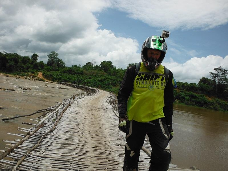 Laos%20Bamboo%20bridge%20Motorcycle%20%2028.