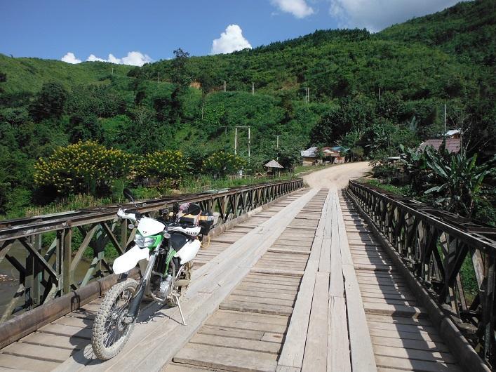Laos%20Motorcycle%20Asia%20%208.