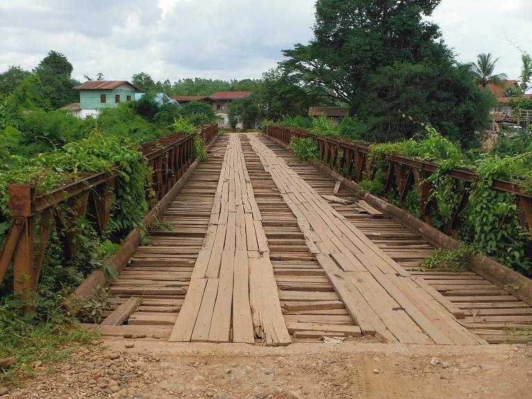 Laos%20Motorcycle%20Savannakhet%2033.