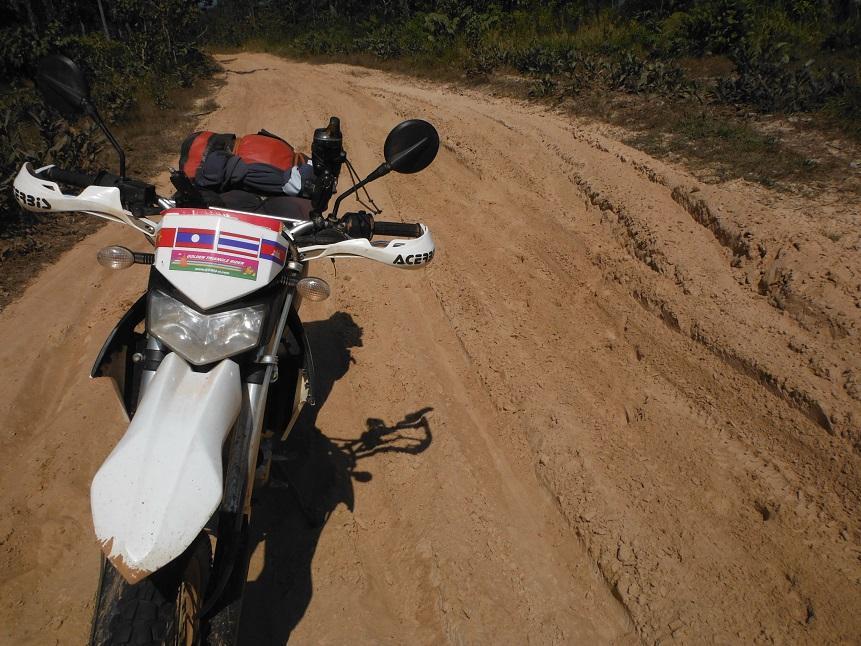 Laos-Asia-Motorcycle103_zps630cf99b.