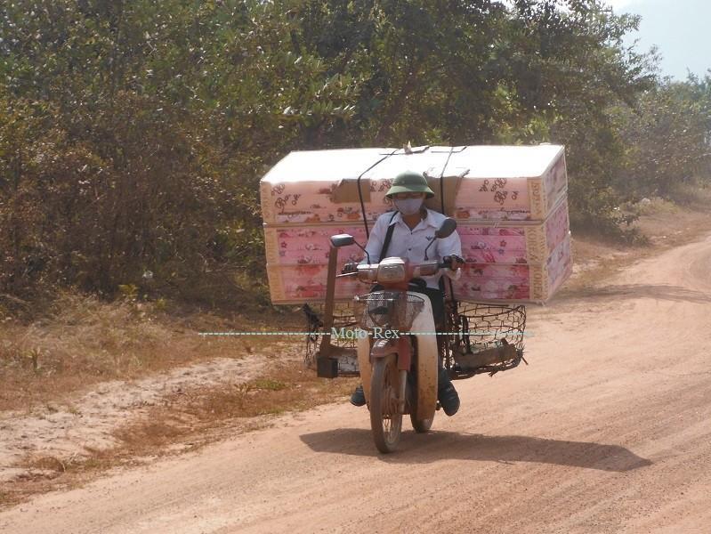 Laos-Asia-Motorcycle5_zps0dda8c99.