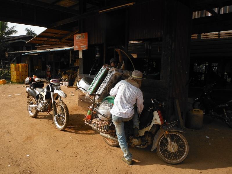 Laos-Asia-Motorcycle63_zps712e4ddf.