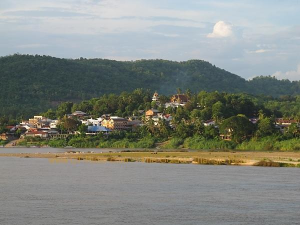 laos-houei-xai-the-mekong-002.
