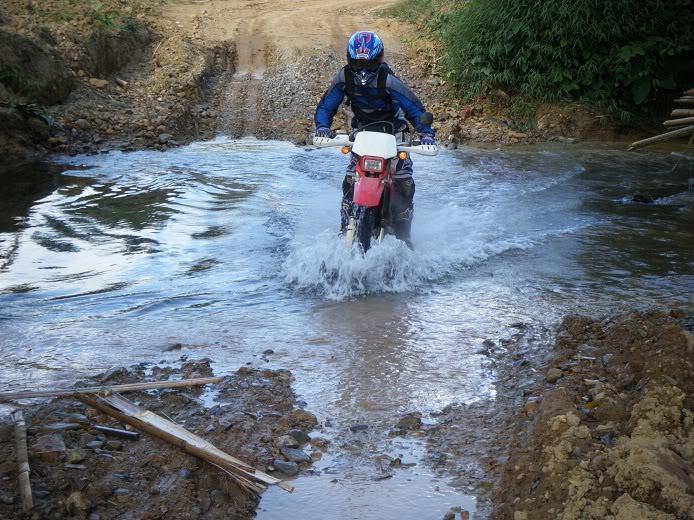Laos-Motorcycle-Asia11.