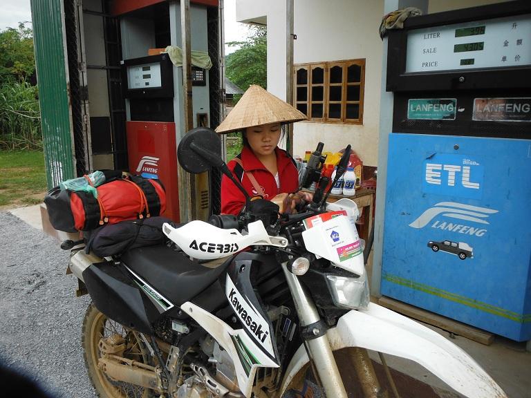 Laos-Xam Neua-Muang et-Motorcycle (29).JPG