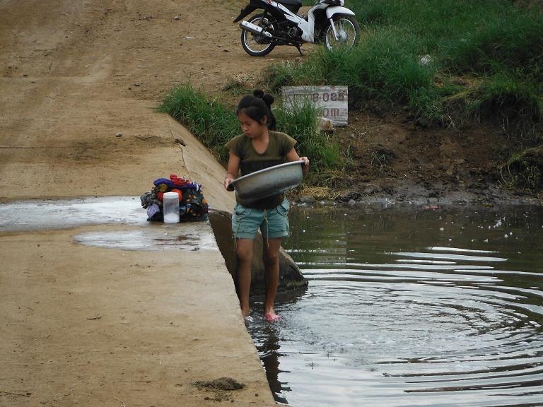 Laos-Xam Neua-Muang et-Motorcycle (31).JPG