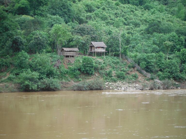 Laos-Xam Neua-Muang et-Motorcycle (37).JPG
