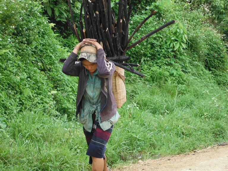 Laos-Xam Neua-Muang et-Motorcycle (51).JPG