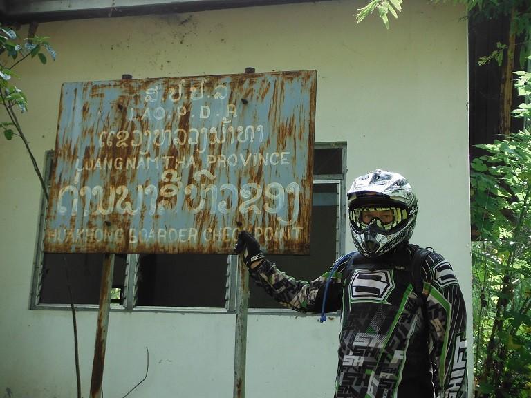 LaosMotorcycleAsia46.