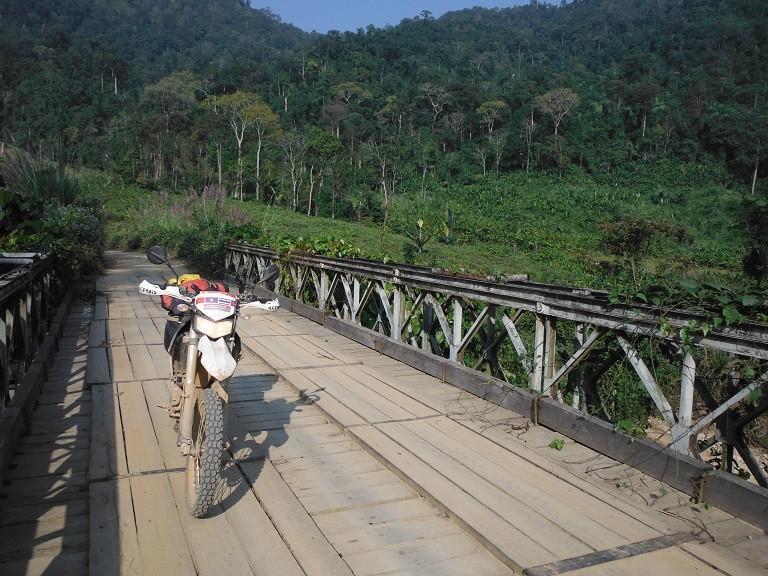 LaosmotorcyclePhonsavan14.