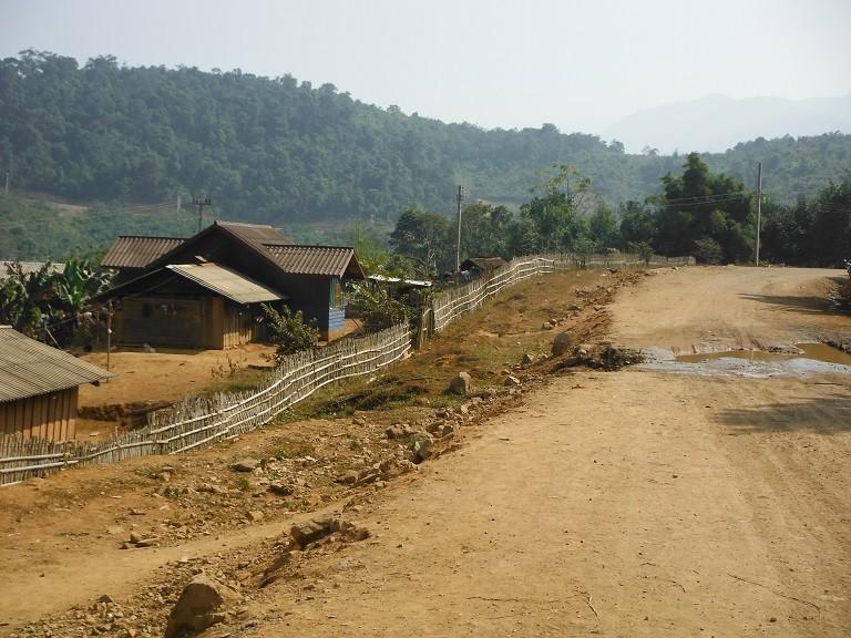 LaosmotorcyclePhonsavan8.