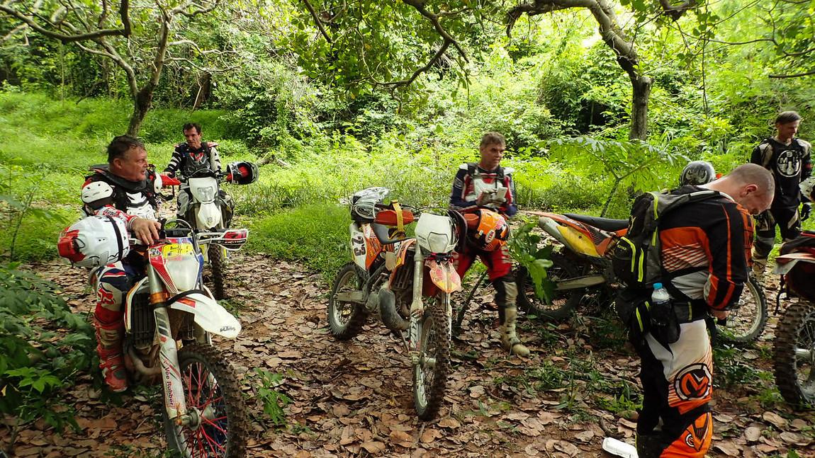 LRM_EXPORT_20170528_000953-X2.jpg in Wet Wild And Muddy - Khao Khiew Chonburi. from  brian_bkk at GT-Rider Motorcycle Forums