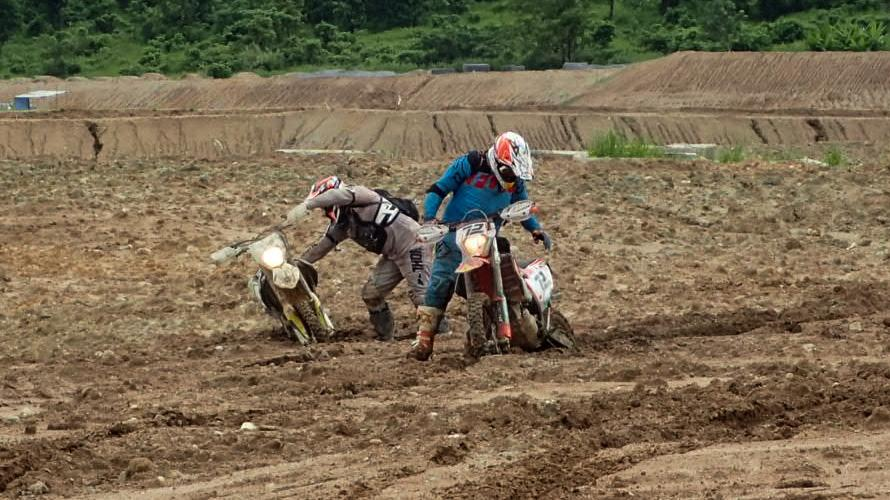 LRM_EXPORT_20170528_001459.jpg in Wet Wild And Muddy - Khao Khiew Chonburi. from  brian_bkk at GT-Rider Motorcycle Forums