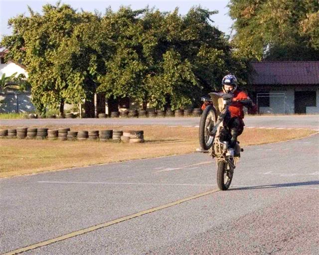 Luke10LRSmall.jpg /Convert dirtbike for onroad use/General Discussion / News / Information/  - Image by: