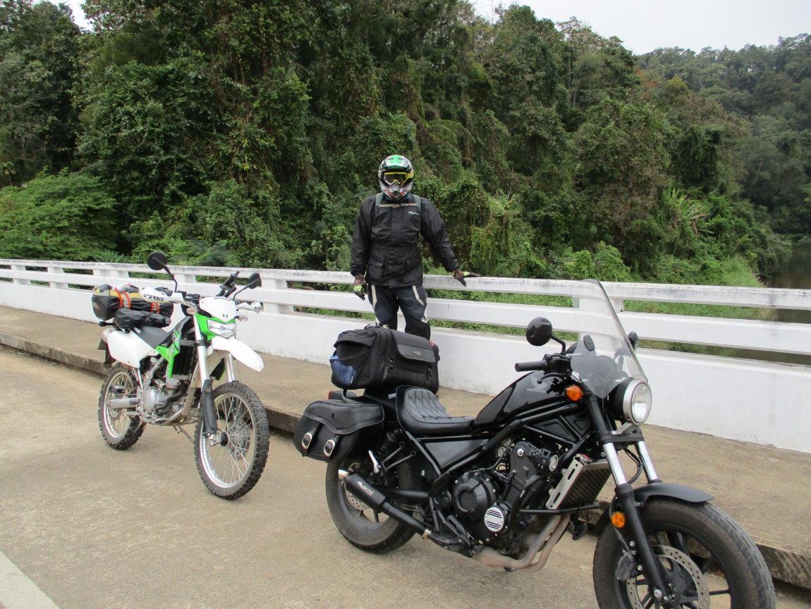 Mae-Ngao-River-bridge.