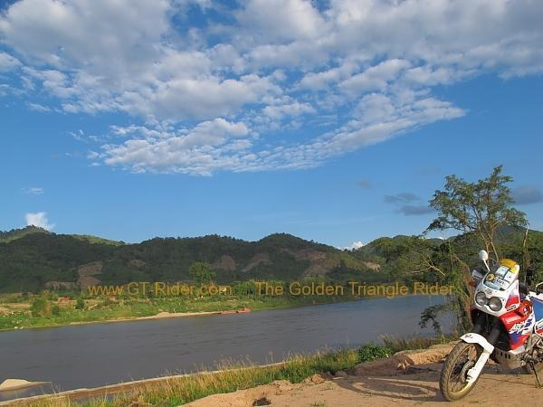 mekong-friendship-bridge-site-chiang-khong-008.