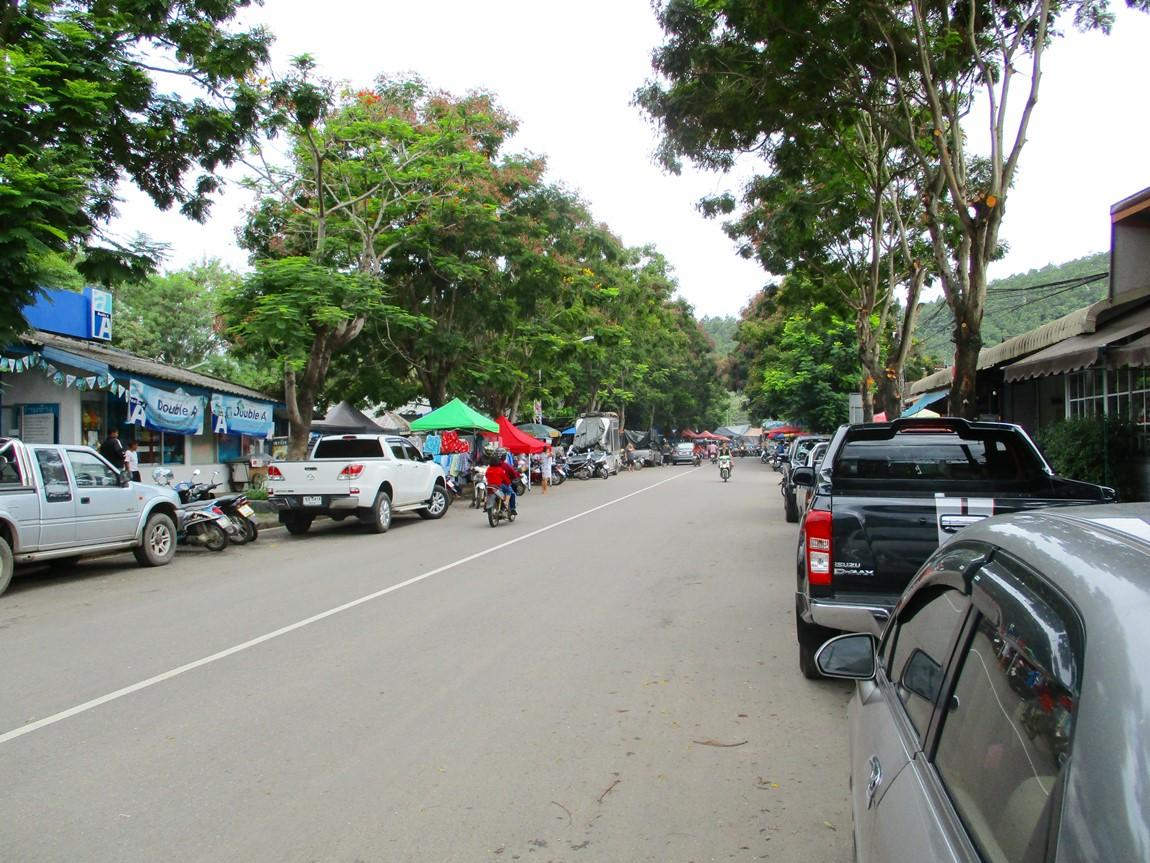MHS-Sunday-Market-1.JPG