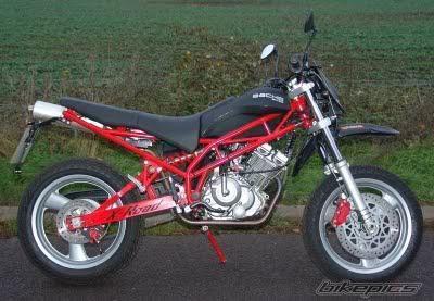Minerva_X-Road_125cc.