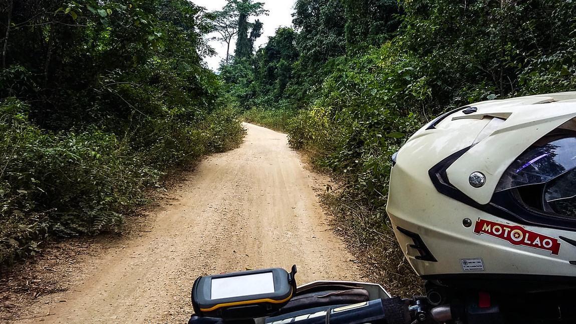 motolao-tours-laos%20%28380%29-X2.