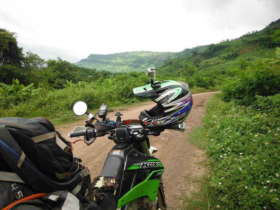 Motorcycle%20Laos%20Vietnam%20%2031.