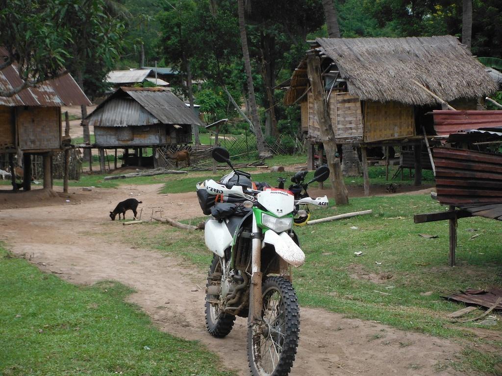 Motorcycle%20Laos%20Vietnam%20%2053.