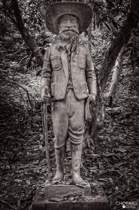 NK7_2809-Modifier.jpg /Revisiting Henri Mouhot's shrine, near Luang Prabang/Laos Road  Trip Reports/  - Image by: