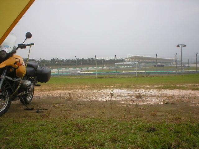P1010005.jpg in MotoGP Malaysia Oct 19-21 from  tropicaljohno at GT-Rider Motorcycle Forums