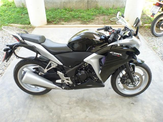 P1020451.jpg /Black Honda CBR 250 R, ABS, 16000km. 89k baht OBO. Chiang Mai area./Motorcycle Buy & Sell - S.E. Asia/  - Image by: