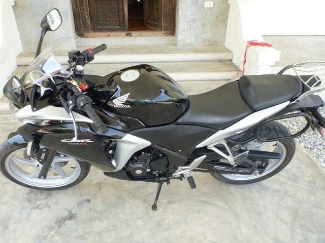 P1020453.jpg /Black Honda CBR 250 R, ABS, 16000km. 89k baht OBO. Chiang Mai area./Motorcycle Buy & Sell - S.E. Asia/  - Image by: