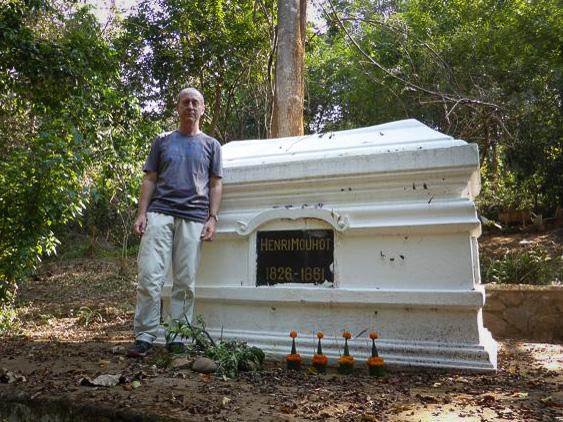P1050273%25255B1%25255D.jpg /Revisiting Henri Mouhot's shrine, near Luang Prabang/Laos Road  Trip Reports/  - Image by: