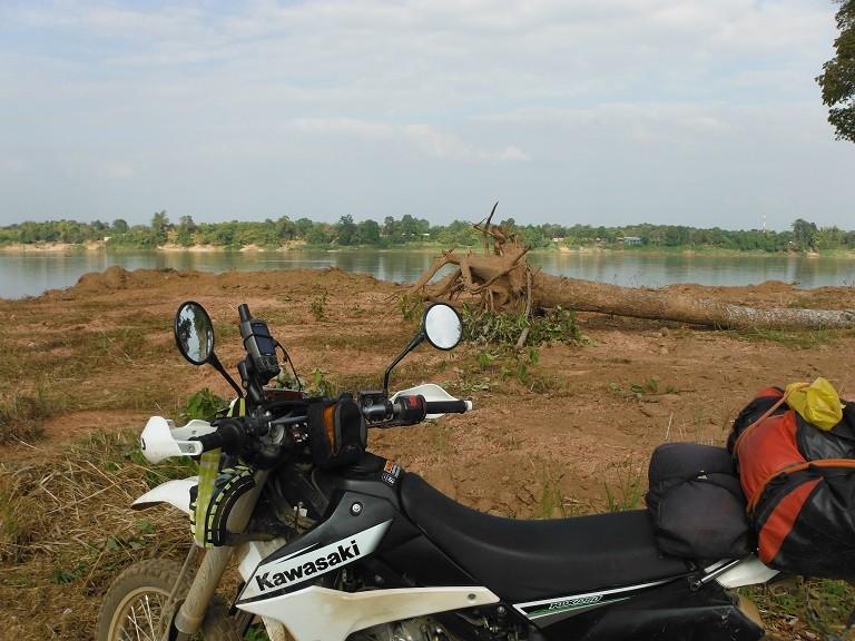 Pakxanlaos5.jpg /The new Pakxan – Bueng Kan bridge/Laos - General Discussion Forum/  - Image by: