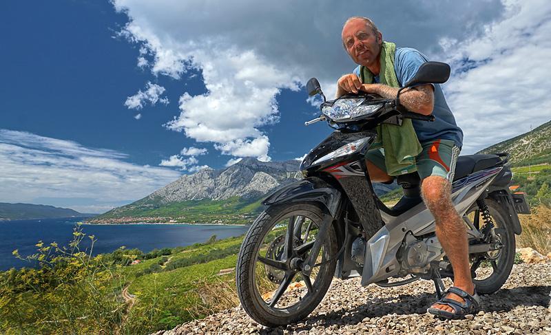 peljesak-landscape-motorbike.