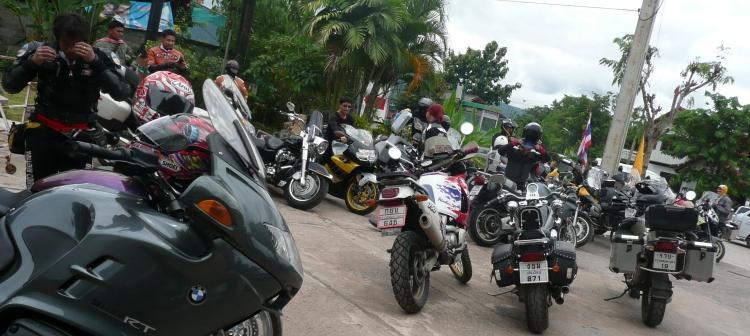 phi-ta-khon-dan-sai-bikes-1.
