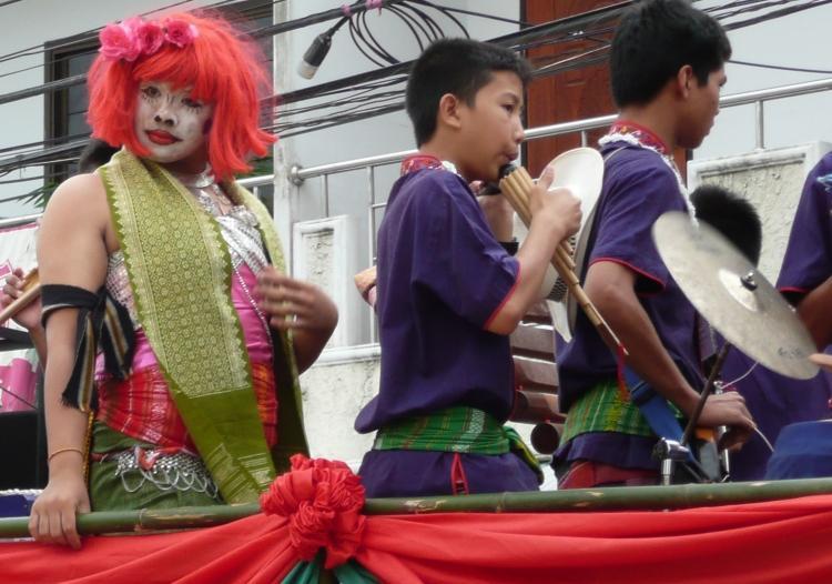 phi-ta-khon-dan-sai-parade-2.