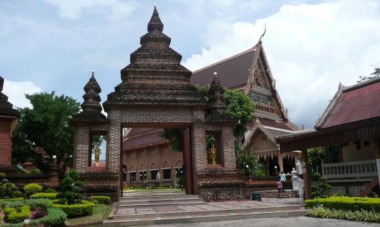 phi-ta-khon-dan-sai-temple-3.