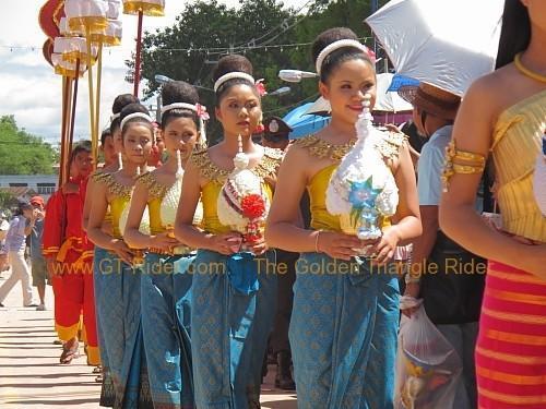 phi-ta-khon-festival-dan-sai-2010-004.