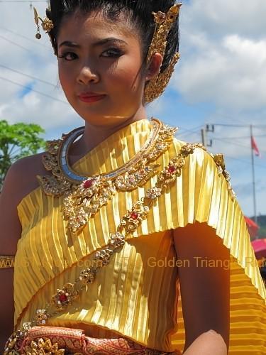 phi-ta-khon-festival-dan-sai-2010-007.