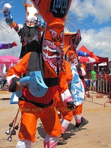 phi-ta-khon-festival-dan-sai-2010-009.