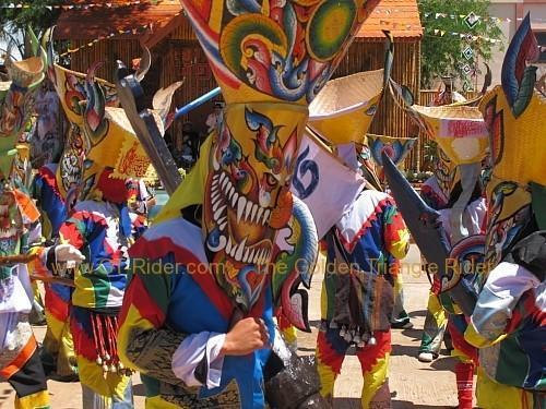phi-ta-khon-festival-dan-sai-2010-015.