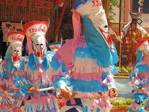 phi-ta-khon-festival-dan-sai-2010-020.