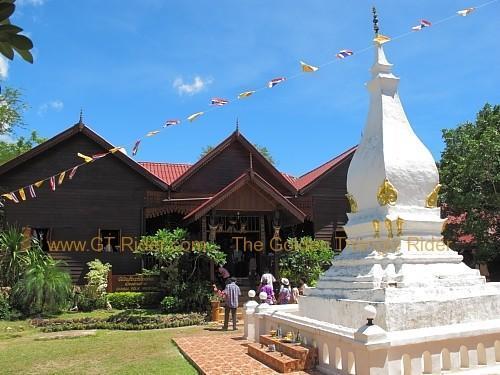 phi-ta-khon-festival-dan-sai-2010-026.