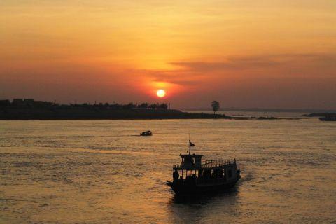 phnom-penh-sunset-mekong.