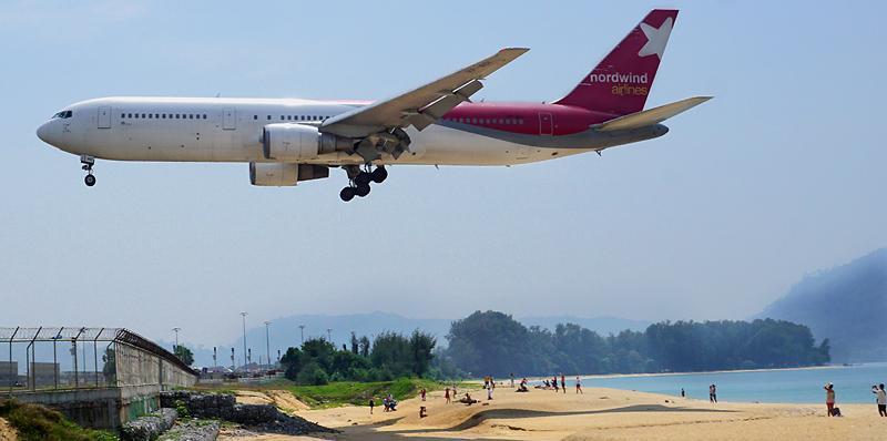 phuket-airport-mai-khao-beach-1dd.