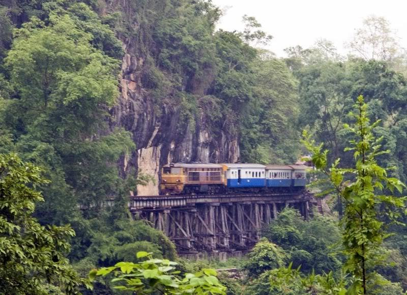 Railway2LR.jpg /ANZAC Day 2008/Central  Thailand Road  Trip Reports/  - Image by: